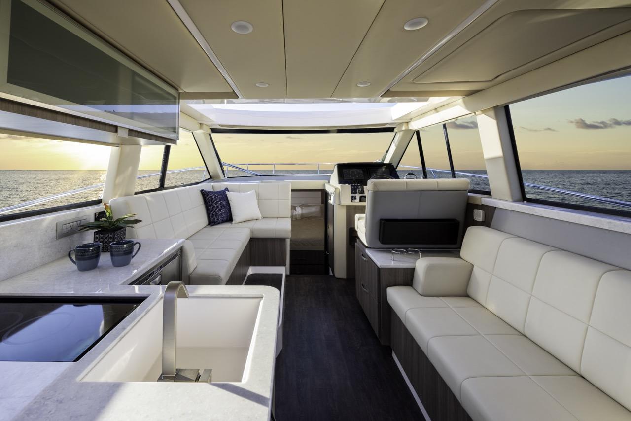 38 grande coupe yacht interior