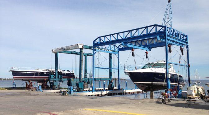 marine-business-yacht-lift